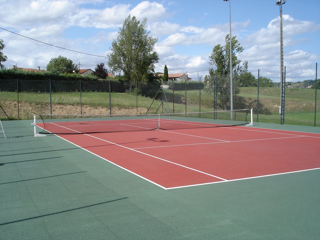 Tennis club r almontais for Eclairage court de tennis exterieur